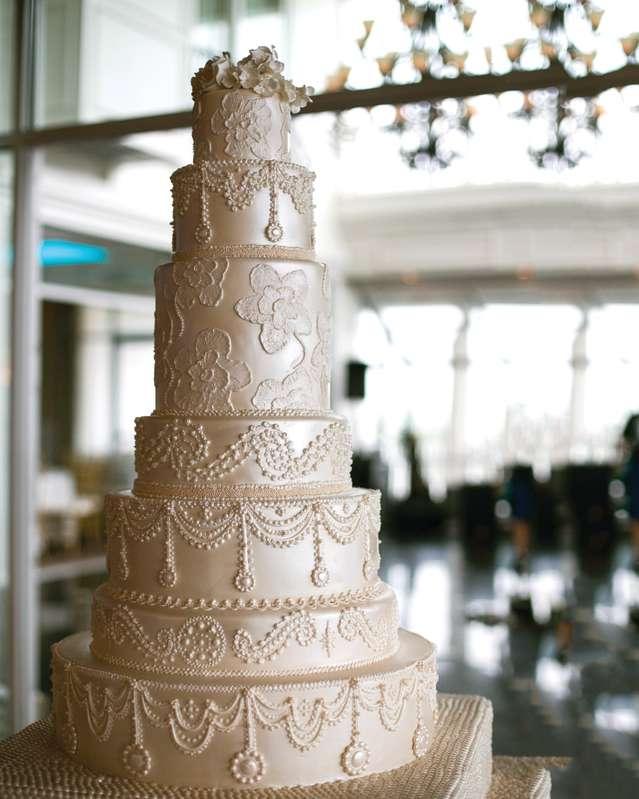 Wedding Cake at Carlo's Bakery