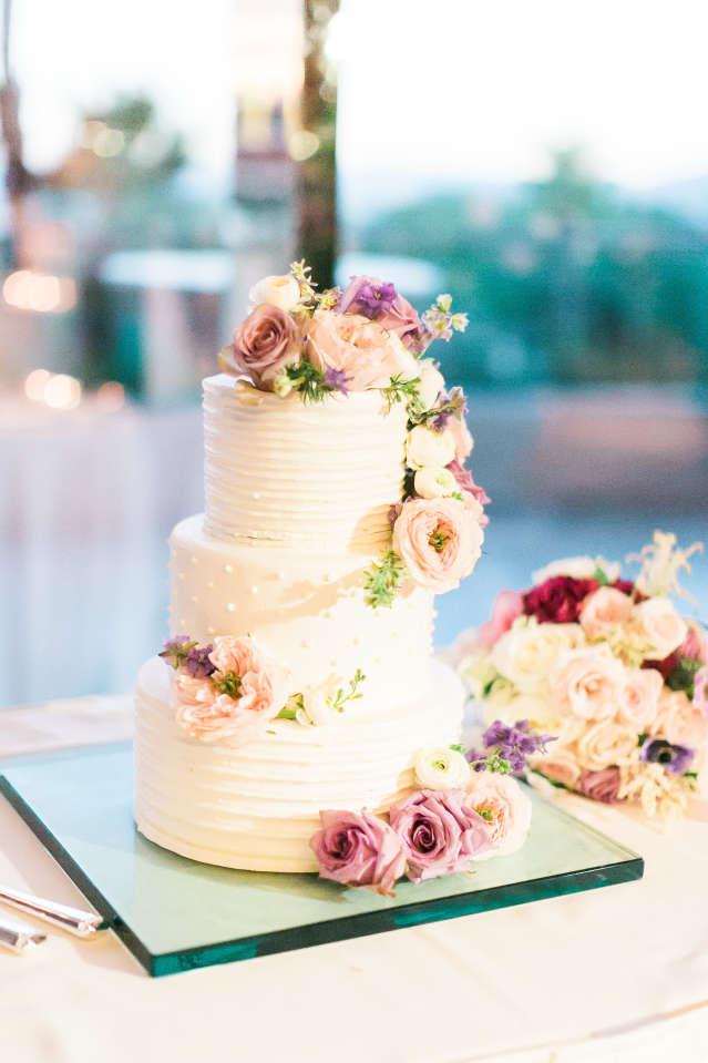 Red Rock Wedding Cake