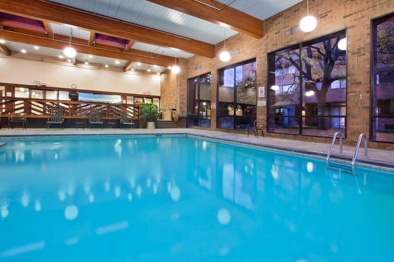 Crowne Pool