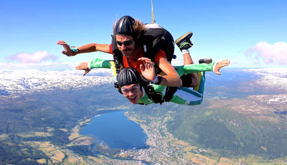 Tandem Skydive with Skydive Voss
