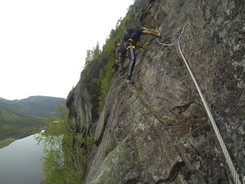 Klettersteig Verborgene Welt : Via ferrata am straumsfjellet in valle der längste seiner art
