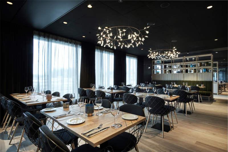 JB photograph QAHG -restaurant-view-brasseriex-window 53f254eb093