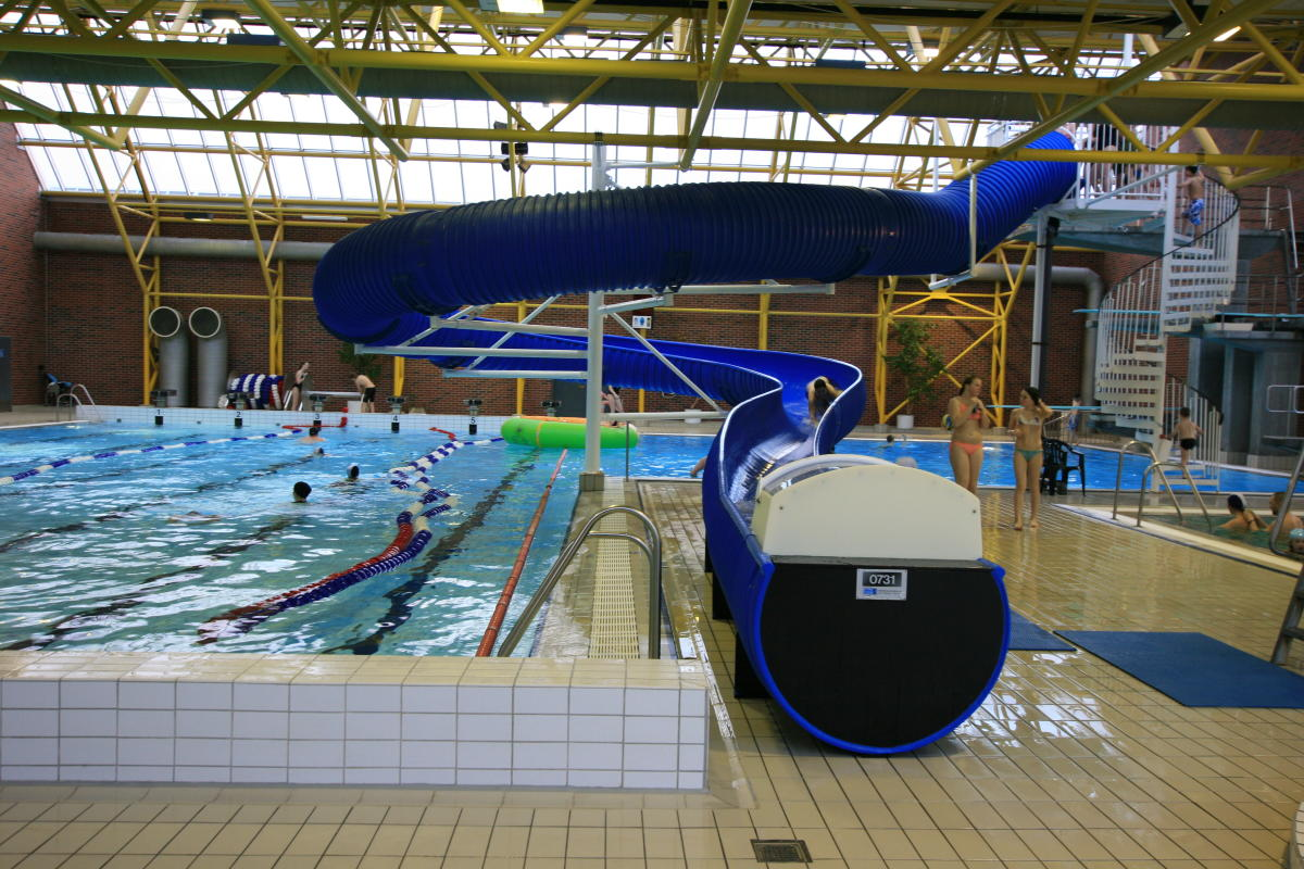 Moa Swimming Pool Complex