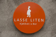 KB_Inngangslogo Lasse Liten