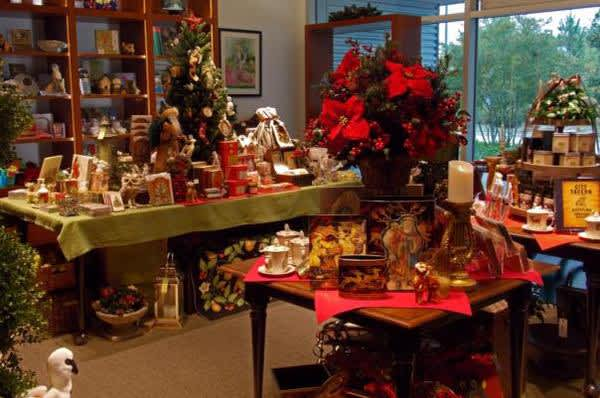 christmas shop at bayou bend 2 - Christmas In The Bayou