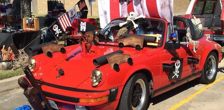 Th Annual Halloween Classic Car Show Holiday Events In Houston - Car show vendor ideas