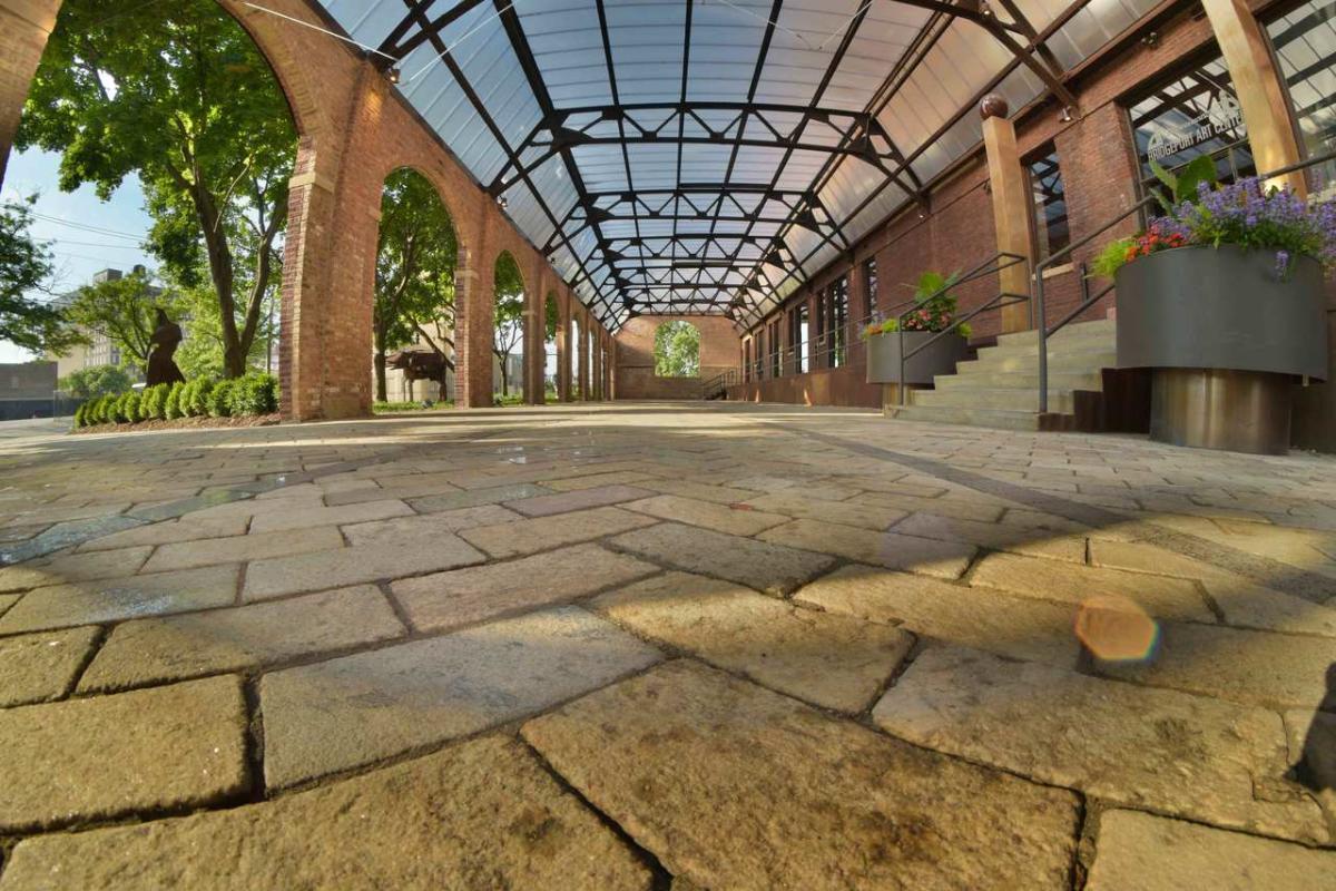 Bridgeport Art Center - Skyline Loft & Sculpture Garden Gallery ...