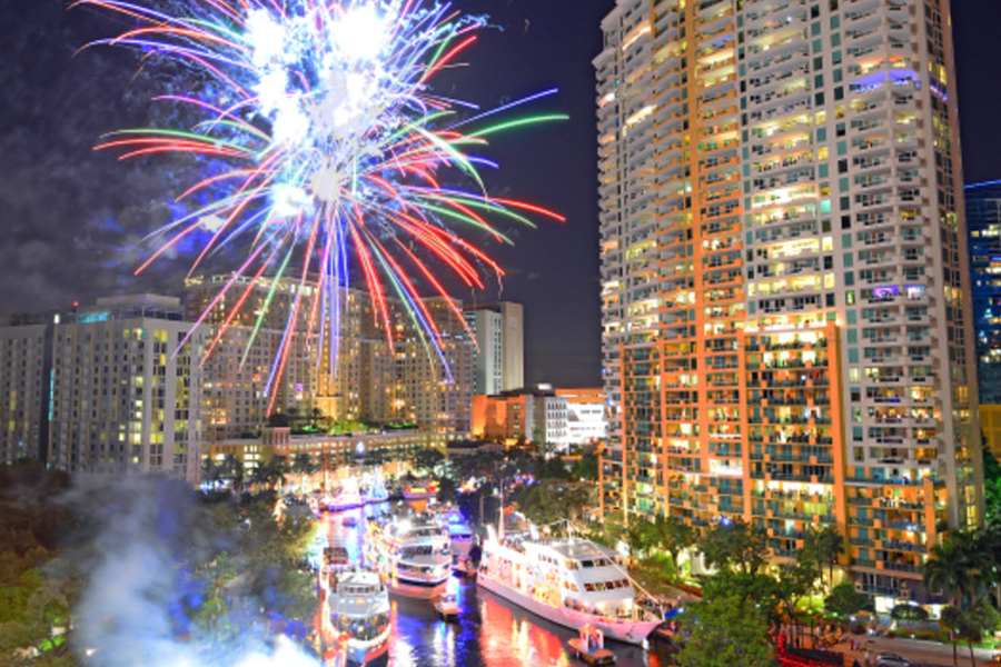 Fort Lauderdale Christmas Boat Parade.Seminole Hard Rock Winterfest Boat Parade Fort Lauderdale
