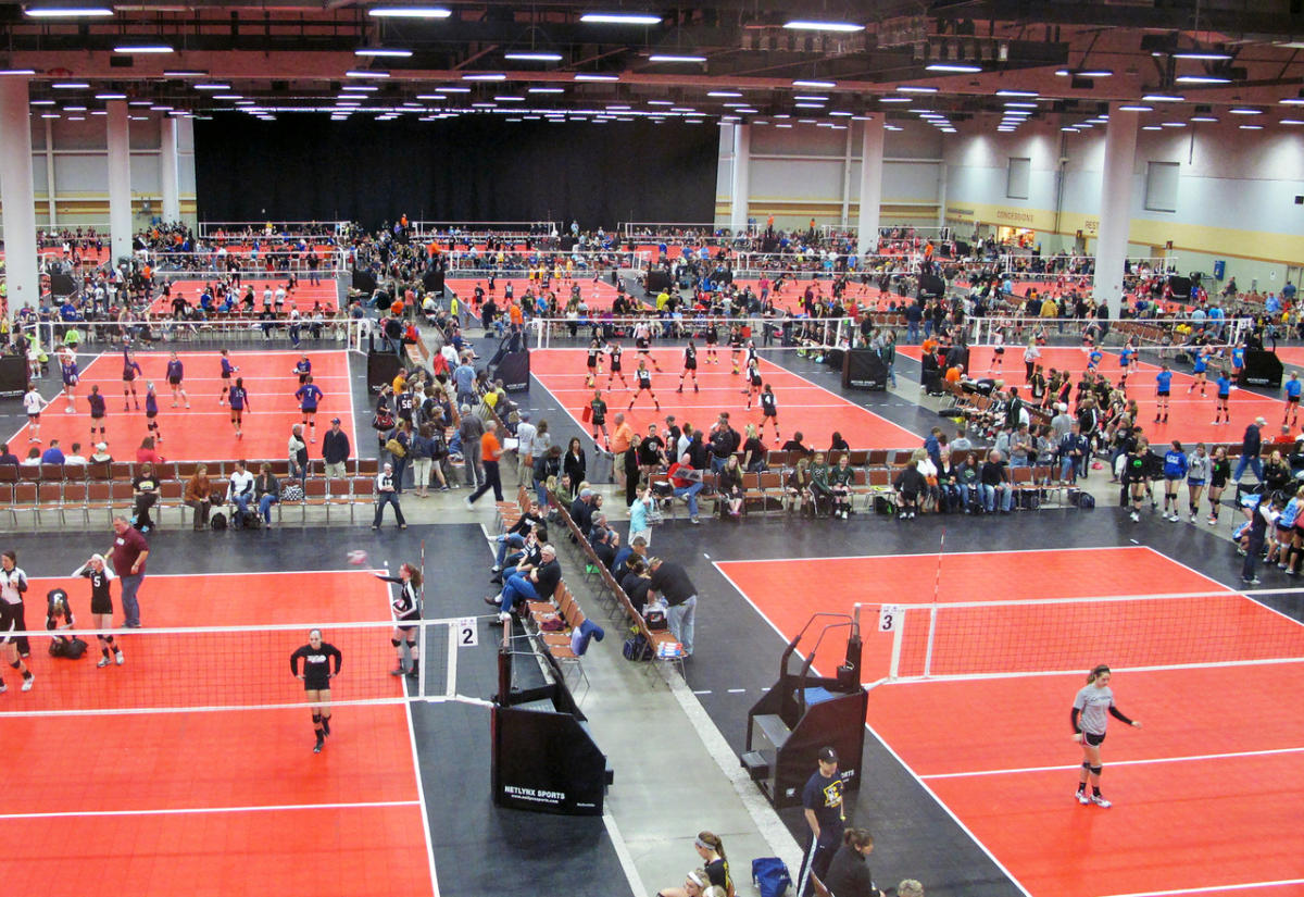 hy vee hall at iowa events center des moines ia 50309
