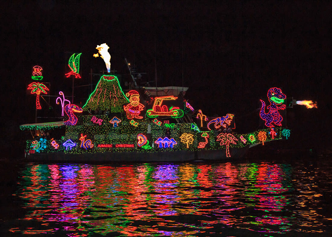 Newport Beach Christmas Boat Parade Holiday Lights Cruises 2018 Ca 92661