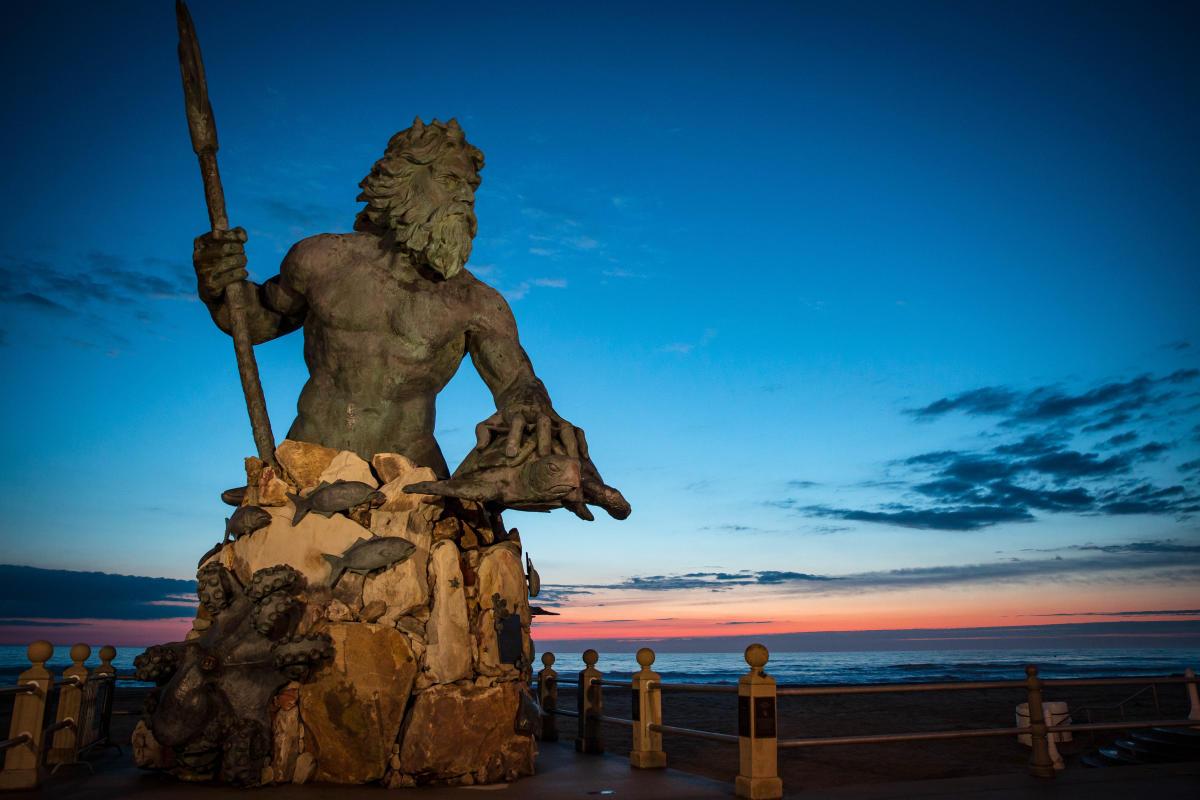 5 Next King Neptune Statue