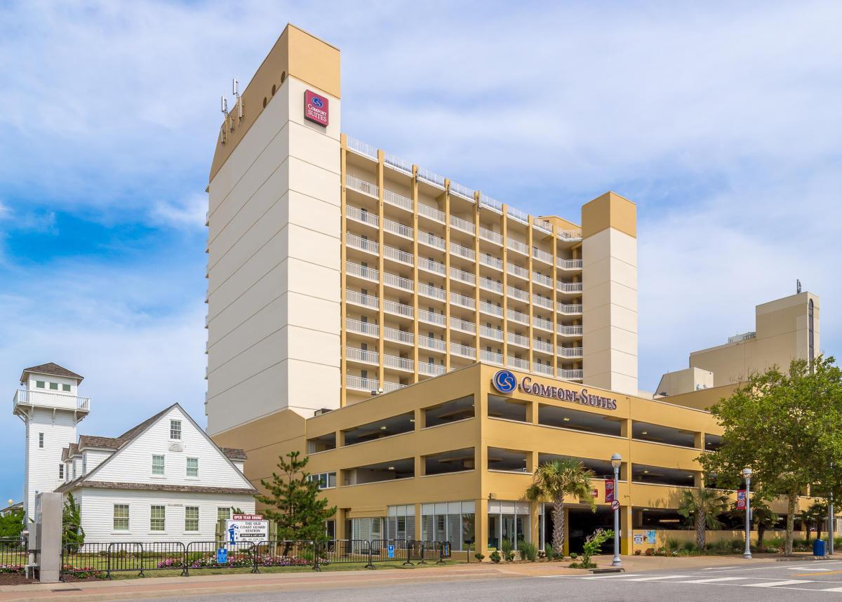 Comfort suites beachfront for Virginia beach suites oceanfront 2 bedroom