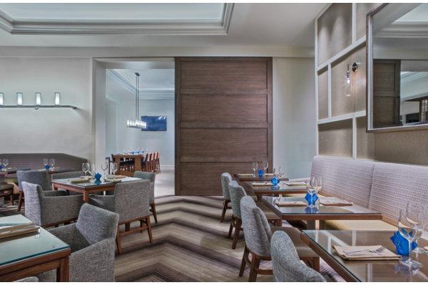 1823 Kithcen & Bar Restaurant