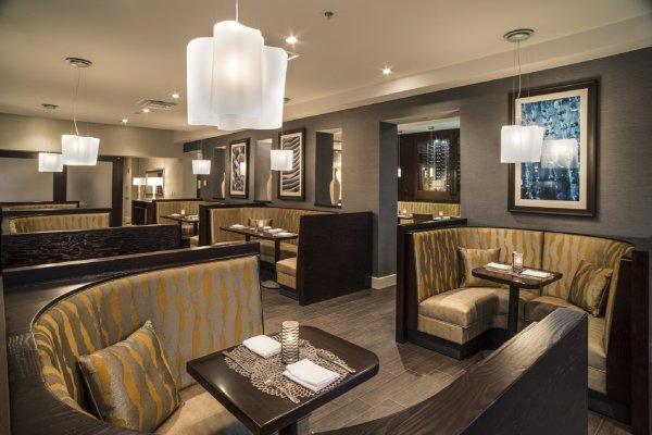 211 Restaurant Seating Hilton Tampa Downtown