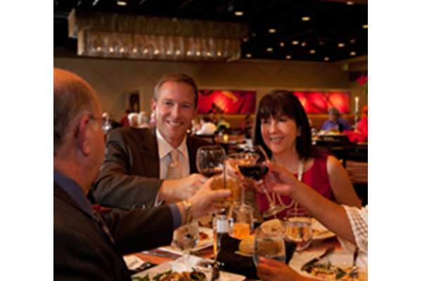 Maestro S Restaurant Is An Elegant And Ious 5 000 Sq Ft Ballroom Overlooking The Downtown Skyline In House Catering