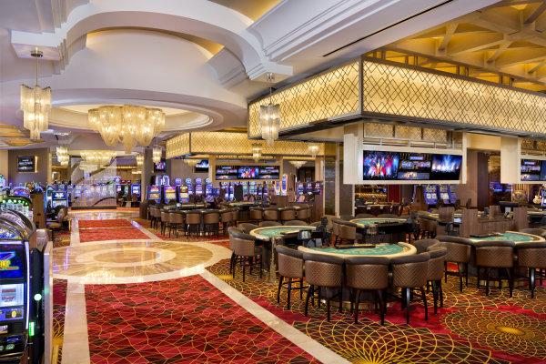 Mezzanine Level Casino: Table Games/Slots