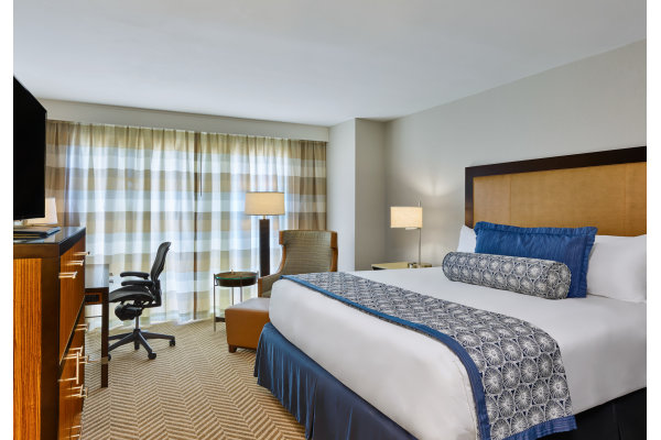 Westshore Grand Guestroom with One King Bed
