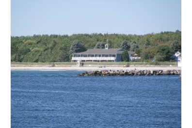 Seaside Inn - Directly on Kennebunk Beach