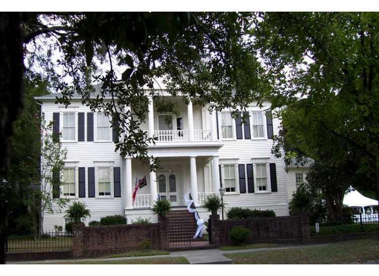 The Women's Club of Fayetteville
