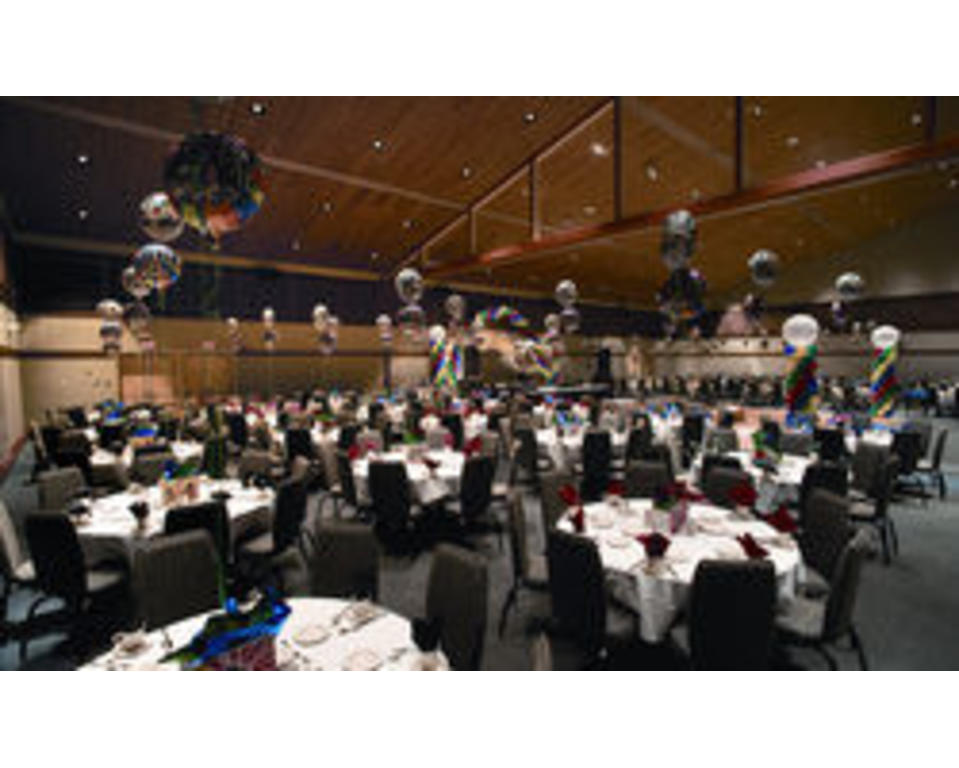 UD_Clayton_Hall_Party_Set_Up