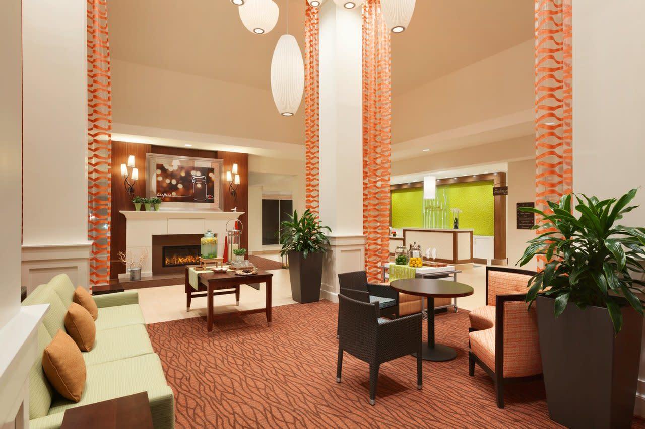 hilton garden inn boston logan airport lobby 1062264 - Hilton Garden Inn Boston Logan Airport