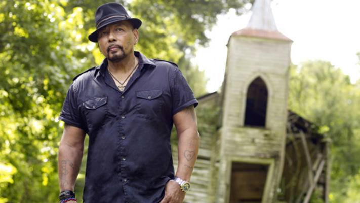 christmas with aaron neville