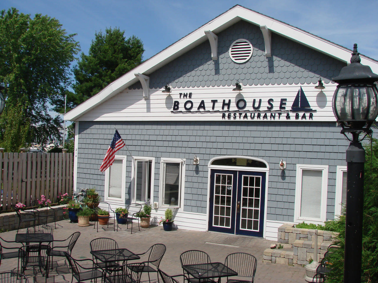 Boathouse Restaurant Sackets Harbor 214 W Main St