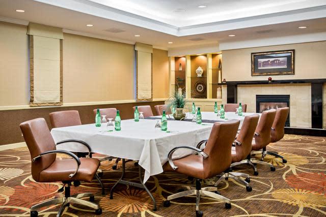 Holiday Inn Tanglewood Boardroom