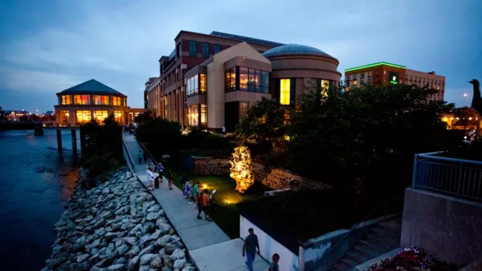 Grand Rapids Museum Exterior