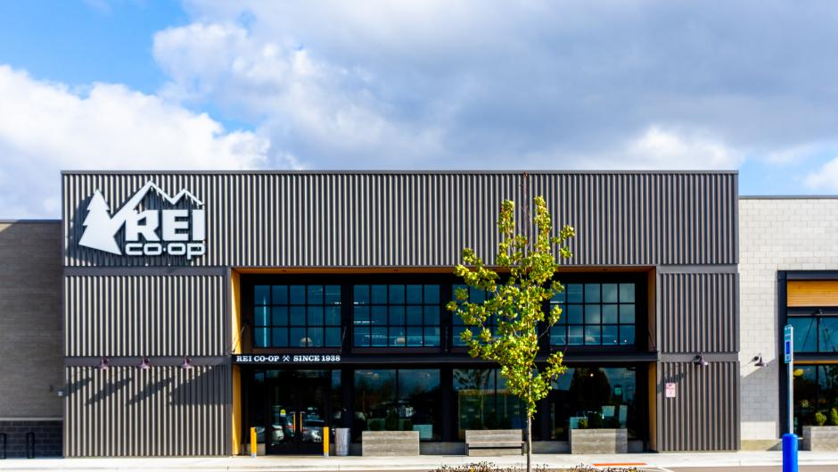 Exterior shot of REI at the Woodland Mall