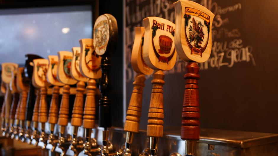 With 16 taps and varying brew styles, Schmohz Taps of Grand Rapids pours beer for almost any taste preference.