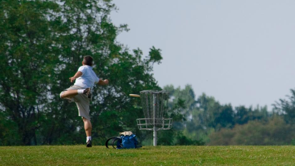 Beautiful fall weather and dozens of nearby courses make Grand Rapids a disc golfer's paradise.