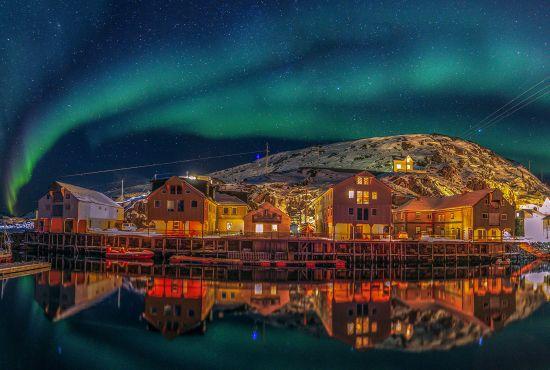Northern lights over the fishing village Nyksund in Vesterålen, Northern Norway