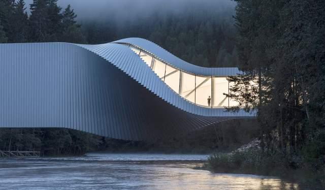 Bygningen The Twist på Kistefos Museum på Hadeland på Østlandet