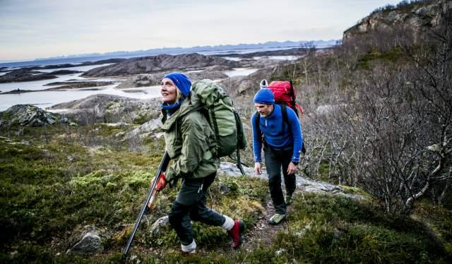 To personer på rypejakt i Steigen i Nordland, Nord-Norge
