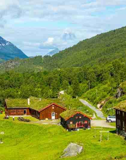 Innerdalshytta DNT cabin in Trollheimen in Trøndelag