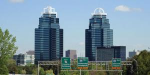 The photo of the King and Queen building taken from Northbound Highway 400