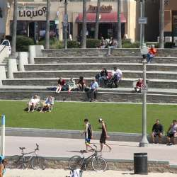 Pier Plaza