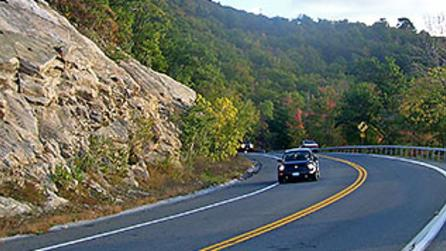 Cars traveling on Shawangunk Mountains Scenic Byway