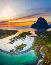 Flygfoto över ön Støtt på Helgelandskusten i norra Norge