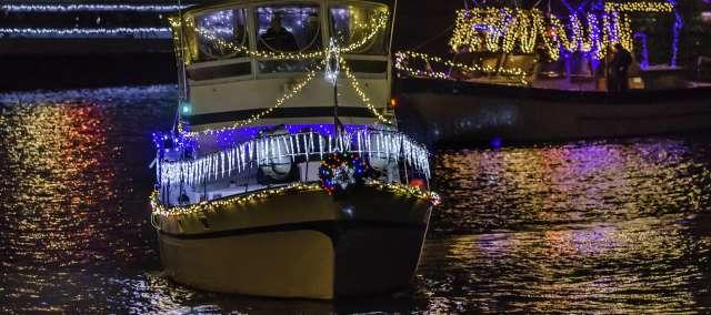 Holiday Boat Parade of Lights in Alexandria VA