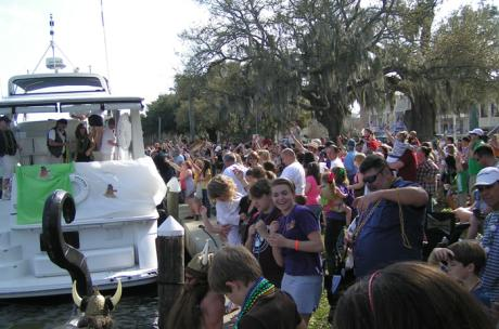 Mardi Gras Crowds - Tchefuncte River in Madisonville