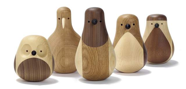 Five bird figurines made of wood