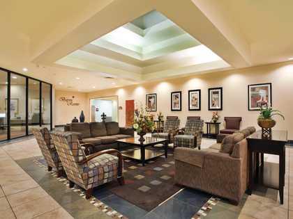 Ramada Conference Center - Interior Lobby