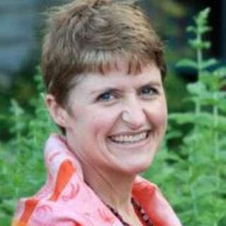 Susan Dosier Headshot