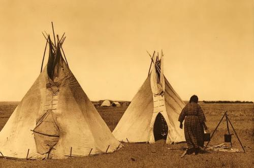 Home exhibit opens at Mid-America All-Indian Center