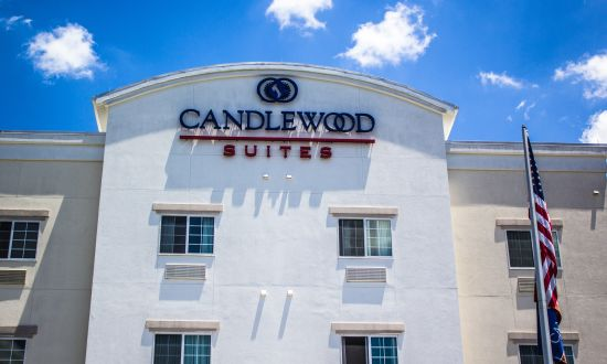 Candlewood Suites Wake Forest 4-221.jpg