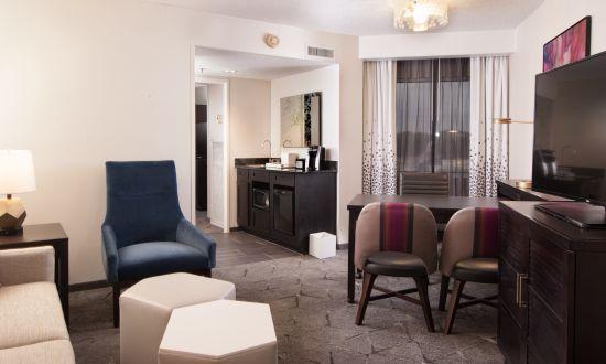 Embassy Suites Raleigh Crabtree 13-245.jpg