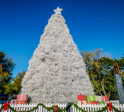 Five Tips for a Great Time at the Tumbleweed Tree Lighting Ceremony &  Parade of Lights - Five Tips For A Great Time At The Tumbleweed Tree Lighting Ceremony