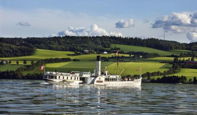 Skibladner on lake Mjøsa